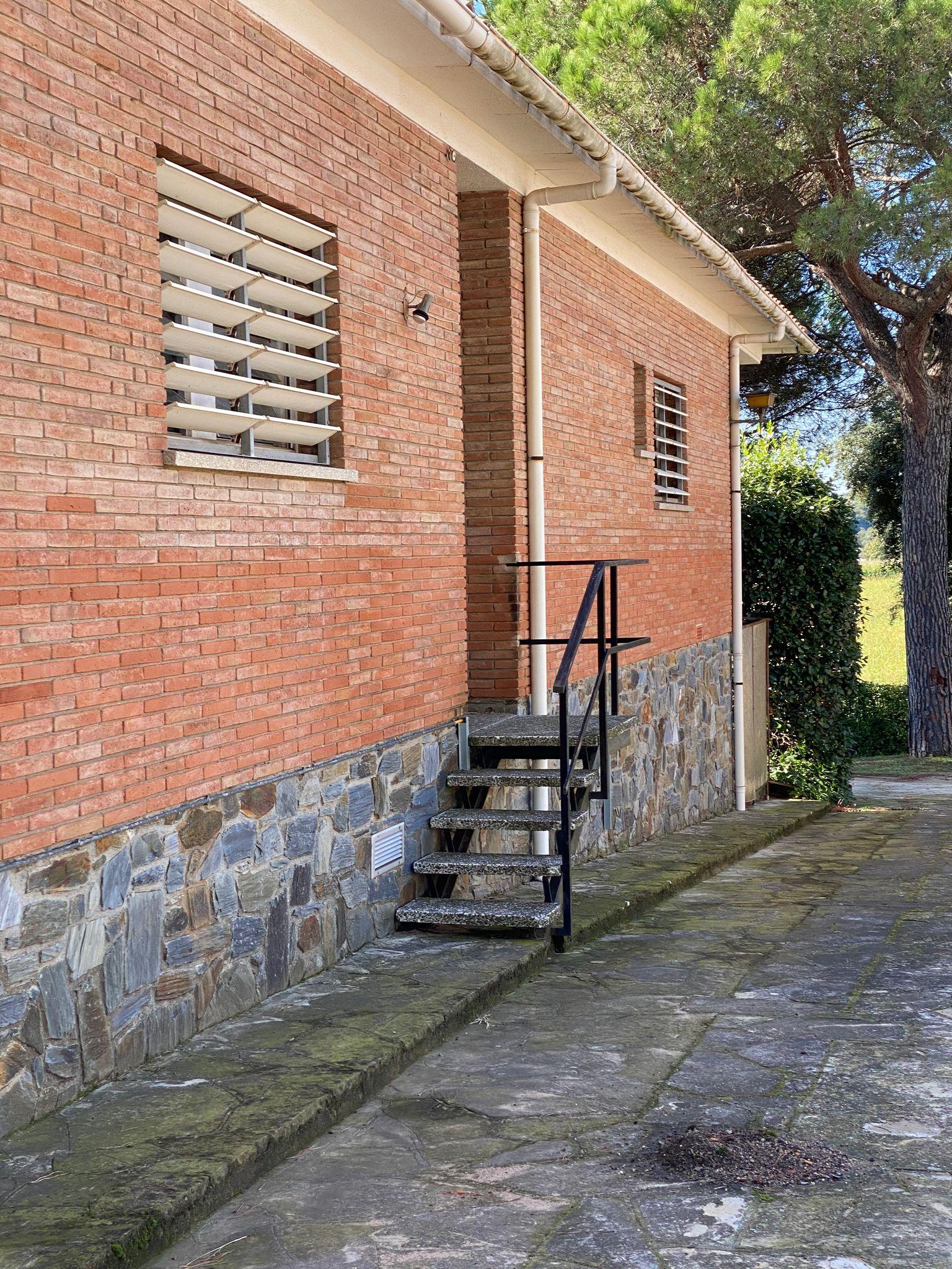 escalera lateral Puigllançada 29